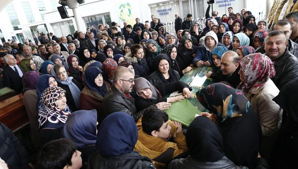 Ankara:10 fermi,anche familiari kamikaze