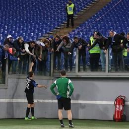 De Roon saluta i tifosi