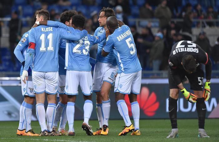 La gioia dei giocatori della Lazio dopo l'1-0