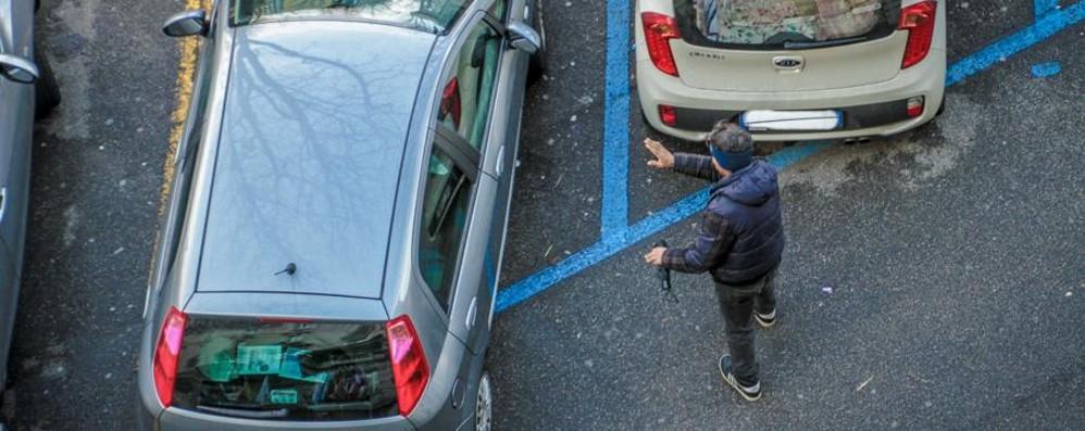 Degrado e parcheggiatori: la rete discute «Nel mirino anche la periferia» - Scrivici