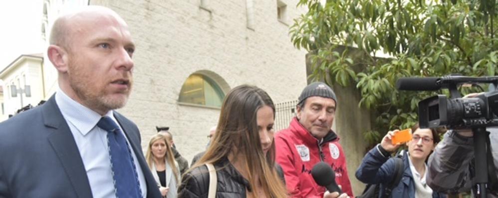 «Neanche Totò Riina trattato così» Bossetti e l'arresto - i video di Marita