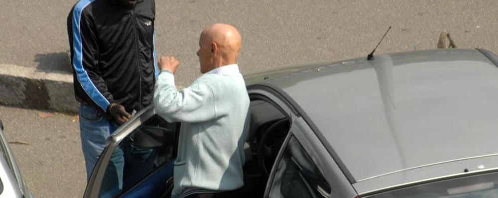 Piazzale Alpini? Controlli quotidiani Un parcheggiatore: vengo da Brescia