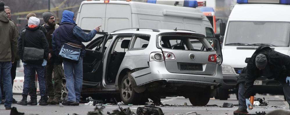 Studenti bergamaschi in gita a Berlino «È esplosa una macchina sotto all'hotel»