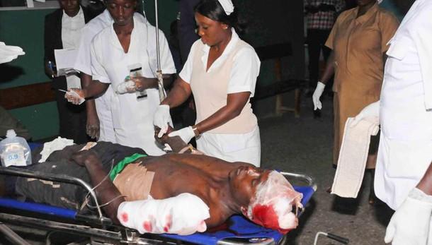 Nigeria: 2 kamikaze in moschea, 22 morti