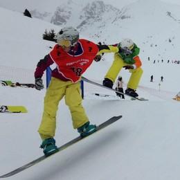 Scalve Boarder Team fucina di campioni 13 medaglie ai regionali di snowboard
