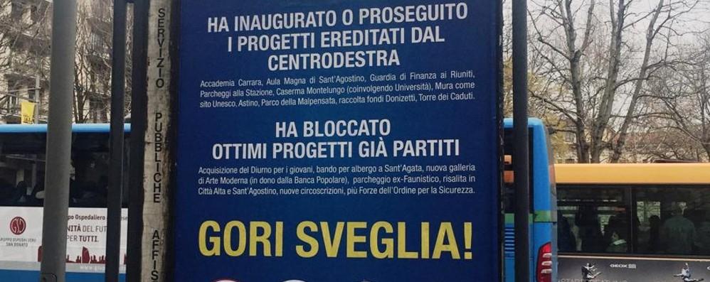 «Manifesto strampalato pieno di bugie» Il centrosinistra risponde alle affissioni
