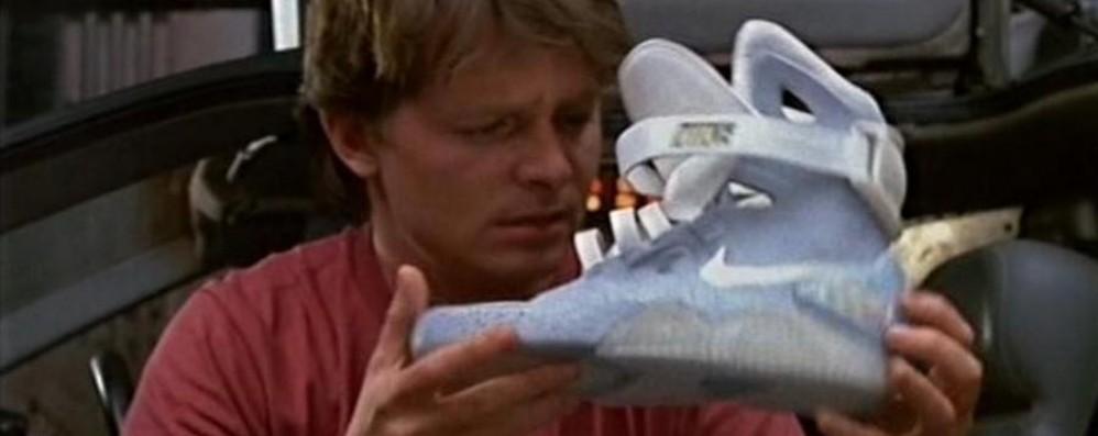 nike scarpe che si allacciano da sole