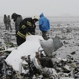 Precipita aereo low cost in Russia Morti tutti i passeggeri - Video