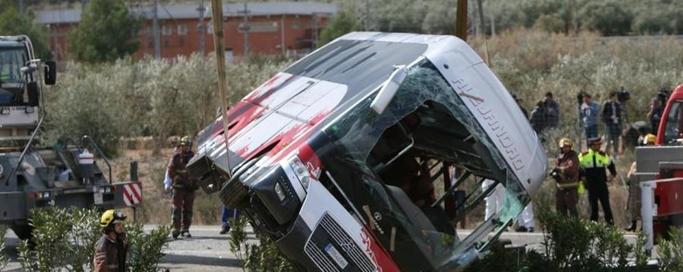 Incidente in Spagna, strage di studenti 13 ragazze morte, 7 sono italiane