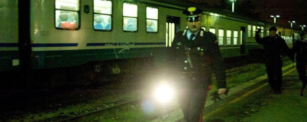 La ragazza presa a martellate in treno è riuscita a descrivere il rapinatore