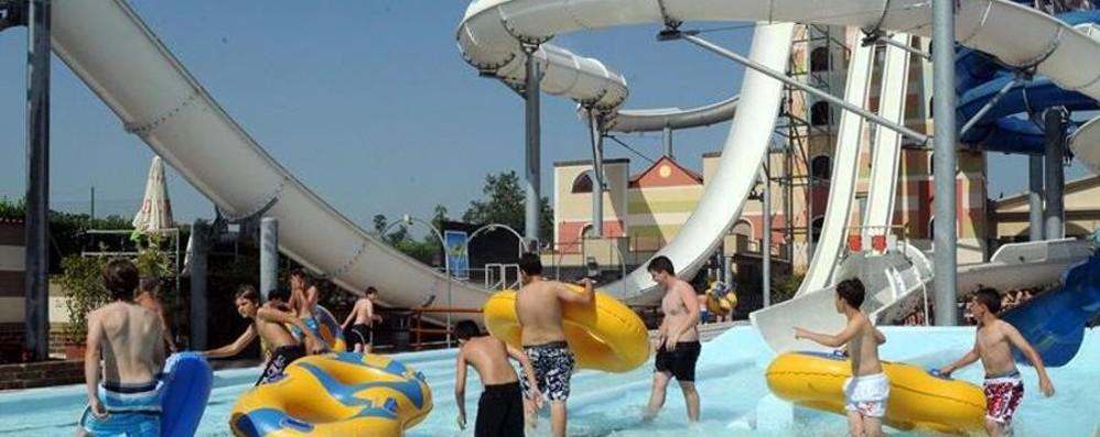 Nuova opportunità di lavoro (in costume) Parco acquatico cerca 70 giovani