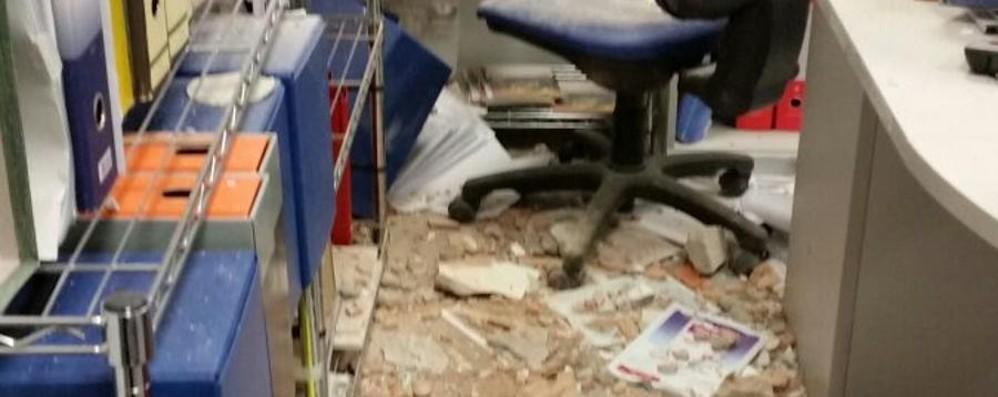 Zingonia, ladri con il muletto sfondano il muro di una ditta