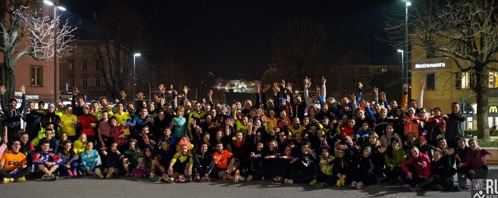 Sono tanti, colorati e allenati - Foto «We Run Bergamo» conquista la città