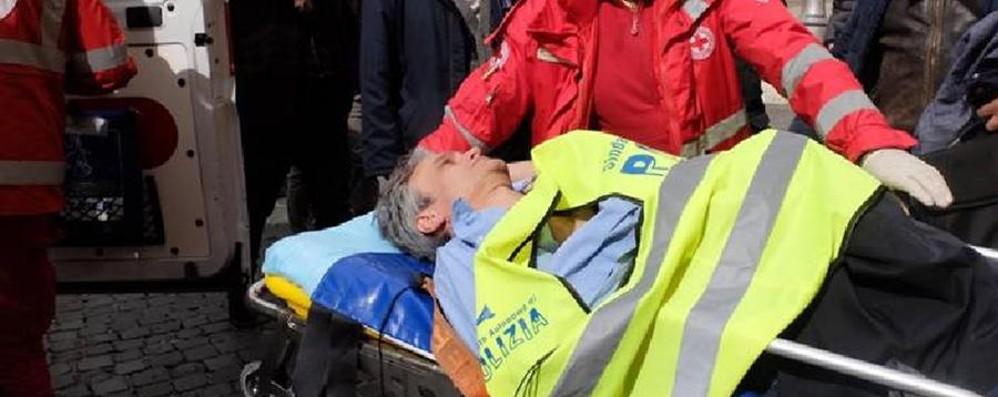 Polizia, la protesta del sindacato Malore per il segretario del Sap