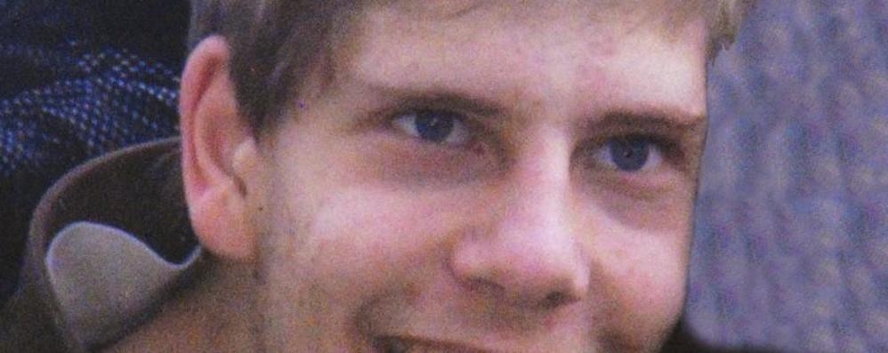 21enne  schiacciato dalla croce a Cevo In cinque a processo per la morte di Marco