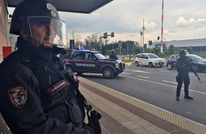 Carabinieri squadra Sos in aeroporto
