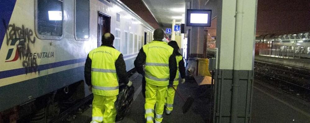 Vigilantes presi a calci e pugni Ordinaria violenza alla stazione
