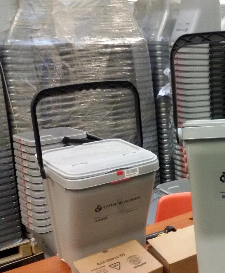 Il nuovo bidoncino per la raccolta rifiuti munito di microchip e adottato dal Comune di Albino