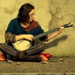 Una domenica mattina a tutta  musica In piazza Libertà c'è Ruth Gordon  - Video