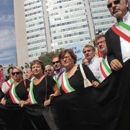 È l'8 marzo, auguri a tutte le donne Ma la politica a Bergamo non è rosa