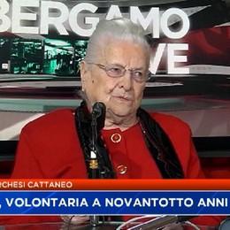 Attilia super nonna, a 98 anni volontaria porta sorrisi al Gleno