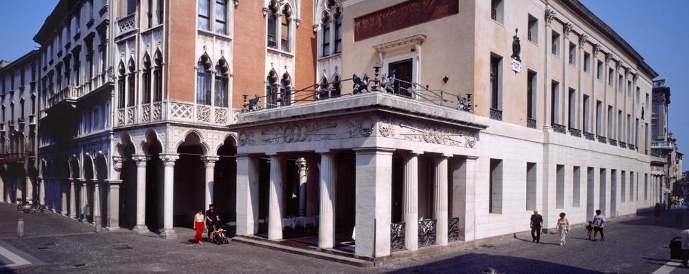 Caffè Pedrocchi, gioiello di Padova Chi lo inventò? Francesco da Rovetta