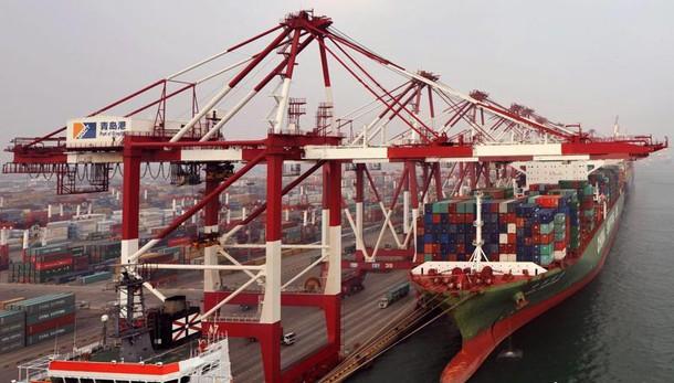 Cina, tonfo export a febbraio -25,4%