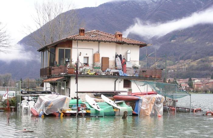 Stop alle case vicino ai fiumi nuova legge della regione for Le migliori case costruite