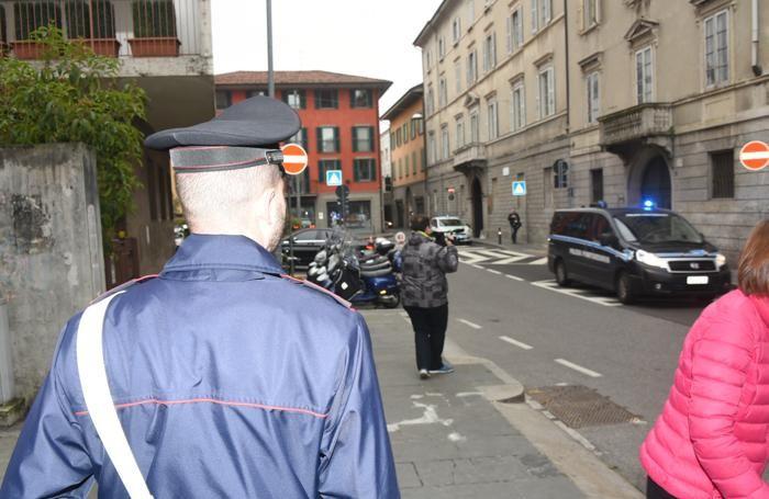 L'arrivo del furgone con Massimo Bossetti