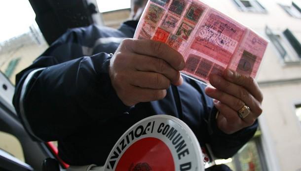 Corruzione: patenti vendute, 20 arresti