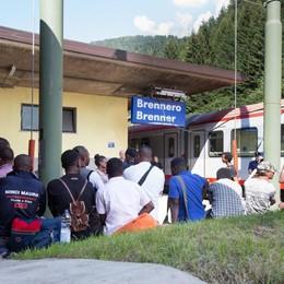 L'Austria costruisce barriera al Brennero per limitare i migranti in arrivo dall'Italia