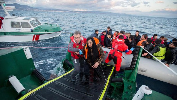 Migranti: crollano sbarchi in Grecia