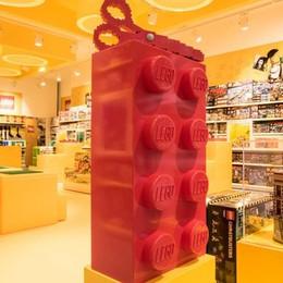 Ecco il primo negozio italiano - le foto Percassi taglia il nastro. Bergamo aspetta