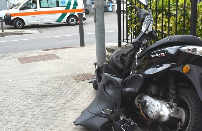 Lo scooter semidistrutto