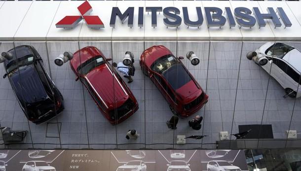 Mitsubishi, alterati dati 625mila auto