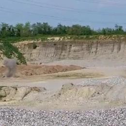 Residuati bellici fatti brillare nella roggia  Treviglio, video delle esplosioni nella cava