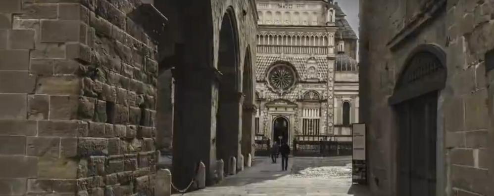 Viaggio magico tra 100 porte lombarde Bergamo splende nel video - Guarda