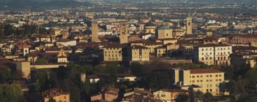 Bergamo, vista da un ventenne Un video (davvero) da non perdere