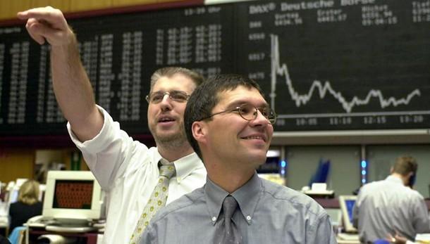 Borsa: Europa chiude in lieve calo