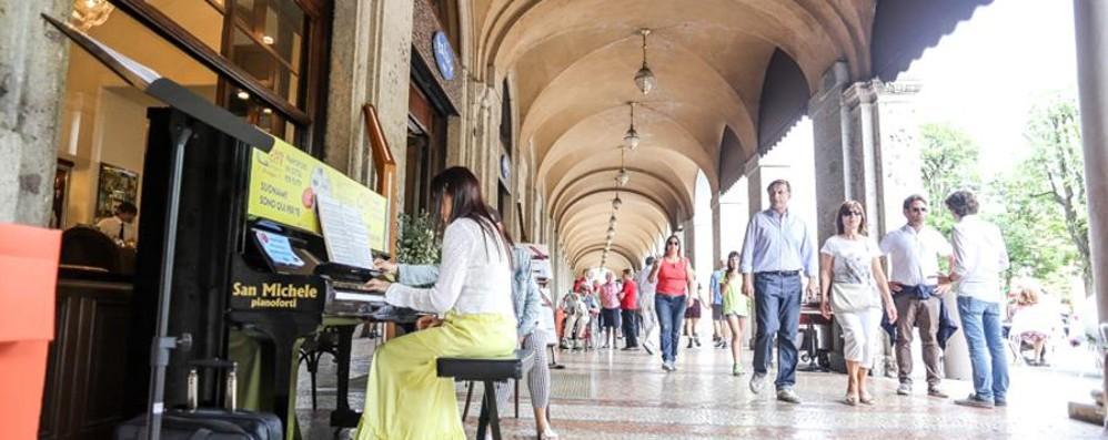 Il pianoforte protagonista a Bergamo Anche tu potrai suonare in varie location