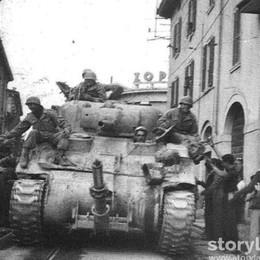 Il 25 aprile a Bergamo, festa dopo la paura Le foto di Storylab per rivivere quei giorni