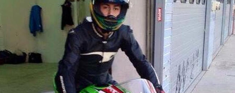 «Non poteva guidare quella moto» A Treviglio il dolore del padre di Simone