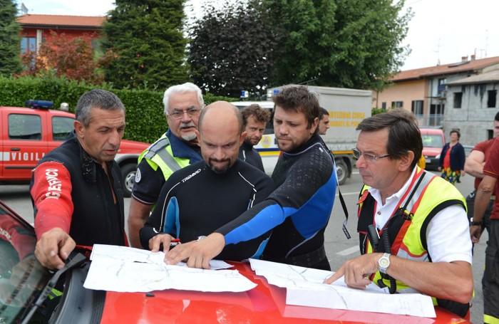 La squadra di soccorso che intervenne a Cividate