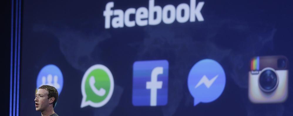 Il Garante bacchetta Facebook «Stop ai Fake e trasparenza dati»