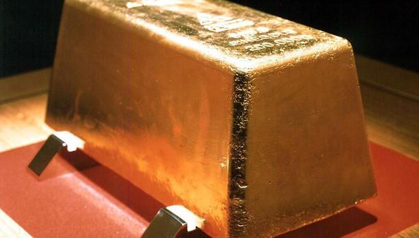Oro: sale a 1.246,92 dollari