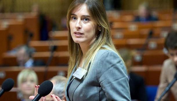 Riforme: Boschi, battaglia su referendum