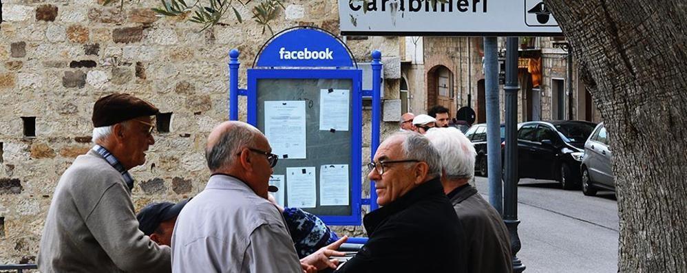 Web 0.0, alle origini del social - Video La piazza è tutt'altro che virtuale