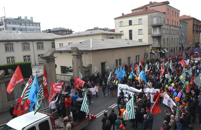 Il corteo dei lavoratori  Italcementi