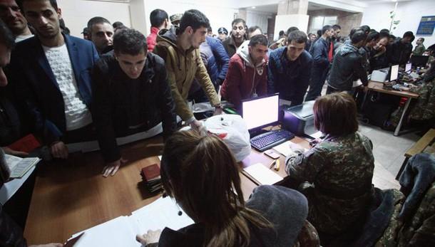 Azerbaigian annuncia cessate il fuoco