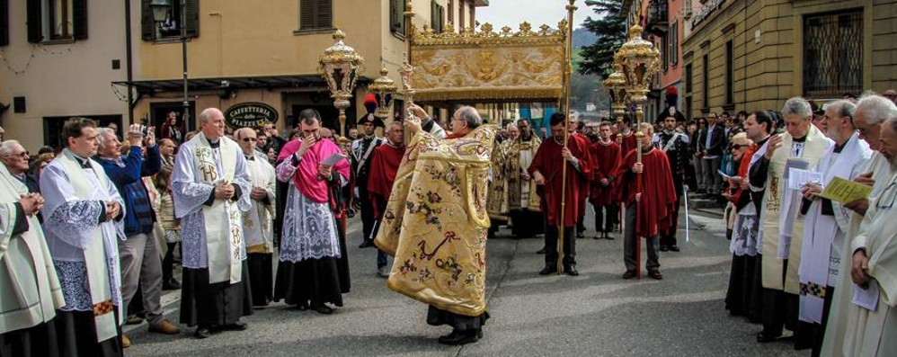 Sacra Spina, 5.000 fedeli alla processione - Foto e video